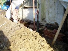 Sole plate to be removed, showing old footings